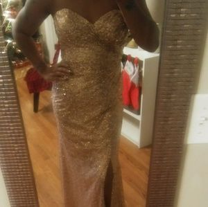 Beautiful Gold sequin gown!